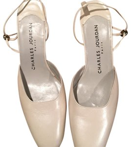 Charles Jourdan bone Pumps