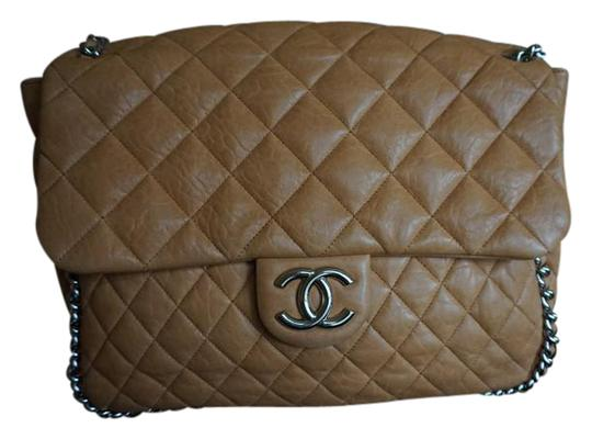 Preload https://img-static.tradesy.com/item/20612560/chanel-maxi-chain-around-flap-light-brown-lambskin-leather-shoulder-bag-0-1-540-540.jpg