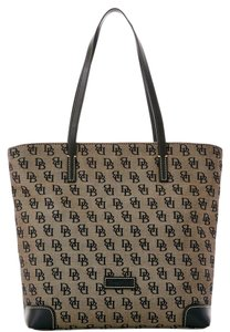 Dooney & Bourke & Everyday Fabric/leather Signature Tote in BLACK