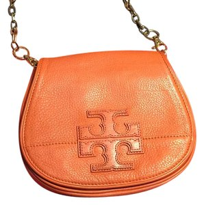 5c805ce2b39f Orange Tory Burch Clutches - Up to 90% off at Tradesy