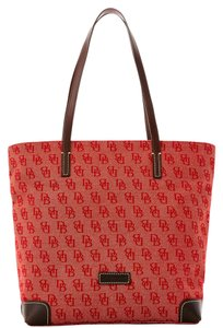 Dooney & Bourke & Fabric Leather Everyday Signature Tote in RED