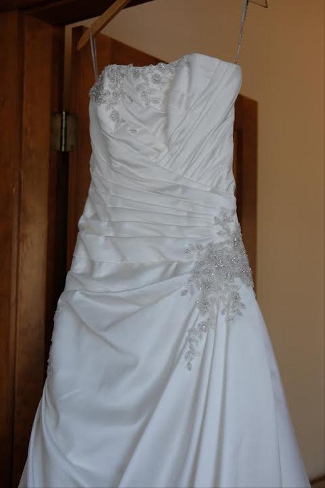 Maggie Sottero Ivory Satin Britney Formal Wedding Dress Size 6 (S ...