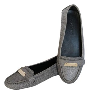 Burberry Driving Loafers Size 38 Grey Flats