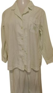 Other Cabernet Sleepwear women's pajama set Medium