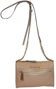 Michael Kors Refurbished Leather Lined Cross Body Bag