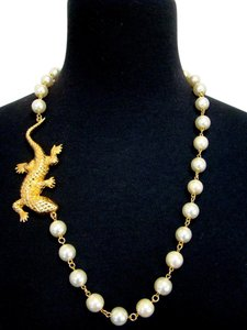 Chanel Extremely Rare CHANEL Lizard pearl necklace