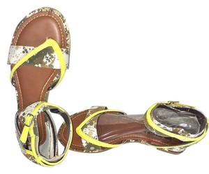Dollhouse Camouflage Sandals