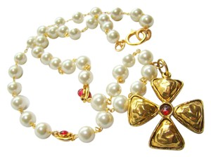 Chanel CHANEL Cross & Pearl necklace