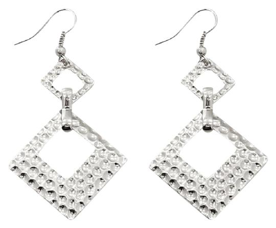 Preload https://img-static.tradesy.com/item/20617316/silver-earrings-0-1-540-540.jpg