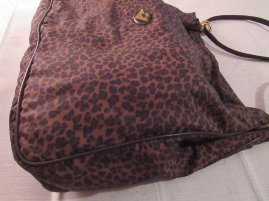 Bottega Veneta Xl Two Strap Rare Hinged Top Great For Everyday Excellent Vintage Satchel in Animal/Leopard print Silk & Leather