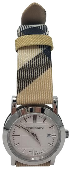 Preload https://item4.tradesy.com/images/burberry-brown-black-white-stainless-steel-28mm-plaid-print-strap-watch-20617433-0-2.jpg?width=440&height=440