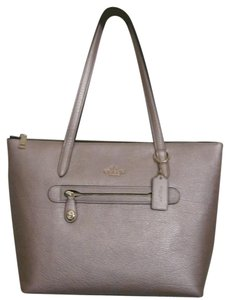 Coach Tote in light gold/ platinum