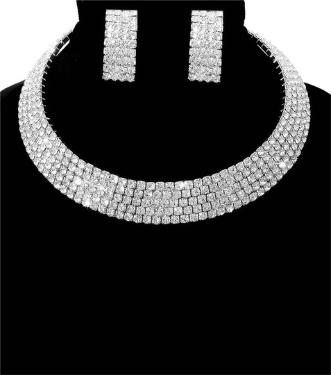 Preload https://item1.tradesy.com/images/silver-cuff-stoned-necklace-20617595-0-1.jpg?width=440&height=440