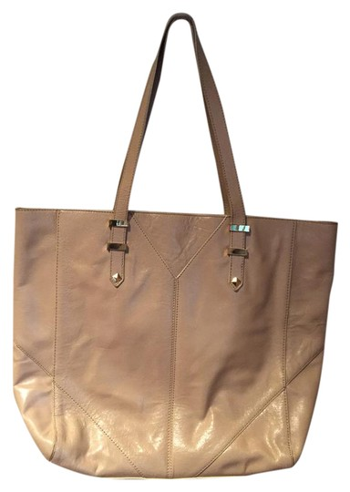 Preload https://img-static.tradesy.com/item/20618008/badgley-mischka-like-new-light-tan-leather-tote-0-1-540-540.jpg