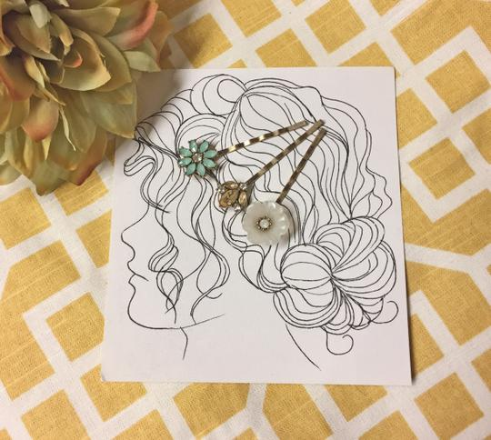 Other Floral & Crystal Hair Pins