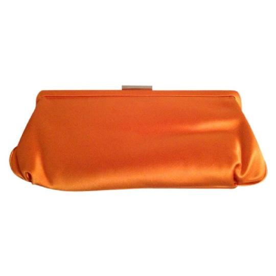 Preload https://img-static.tradesy.com/item/20619037/tiffany-and-co-orange-clutch-0-0-540-540.jpg