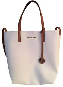 Michael Kors Tote in Cream with Tan