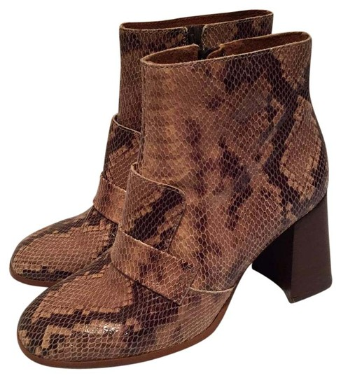 Preload https://img-static.tradesy.com/item/20619273/topshop-brown-bootsbooties-size-us-10-0-1-540-540.jpg