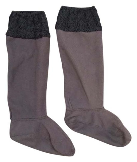 Preload https://img-static.tradesy.com/item/20619573/hunter-gray-fleece-socks-0-1-540-540.jpg