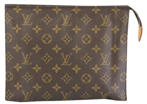 Louis Vuitton Trousse Toilette 26