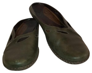 Clarks olive green Mules