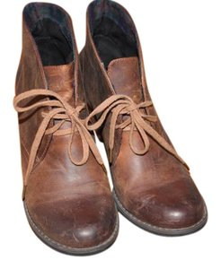 Clarks Worn Look brown Boots