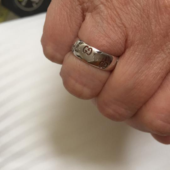 Gucci Gucci( GGG all around) 18 k white gold ring