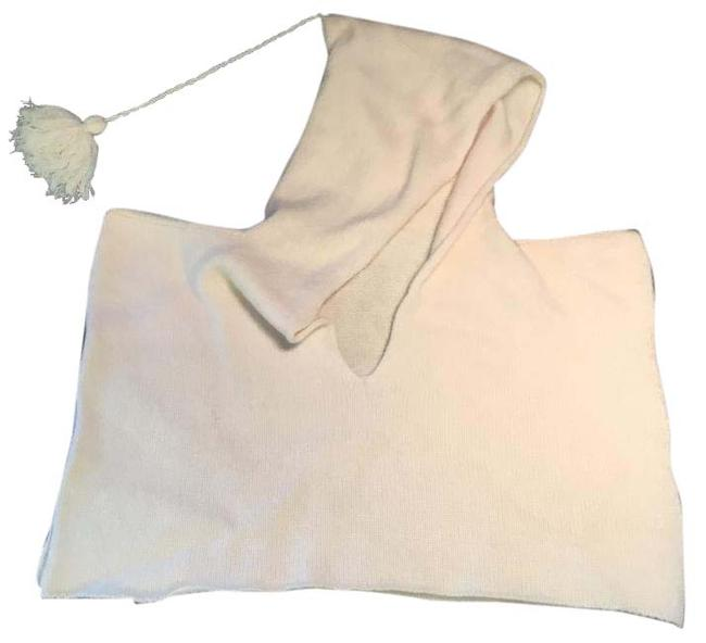 Preload https://item2.tradesy.com/images/hermes-cream-cashmere-hooded-baby-ponchocape-size-00-xxs-20620021-0-1.jpg?width=400&height=650