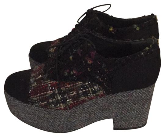 Preload https://img-static.tradesy.com/item/20620466/chanel-pinkblack-grey-tweed-platform-wedges-size-eu-39-approx-us-9-regular-m-b-0-1-540-540.jpg