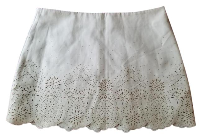 Preload https://img-static.tradesy.com/item/20620626/forever-21-ivory-faux-suede-fully-lined-miniskirt-size-4-s-27-0-2-650-650.jpg