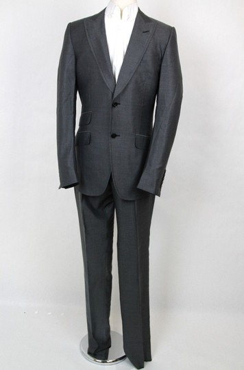 Preload https://img-static.tradesy.com/item/20620695/gucci-gray-men-s-stripe-wool-silk-suits-blazer-pants-it-46us-36-295397-1200-groomsman-gift-0-0-540-540.jpg