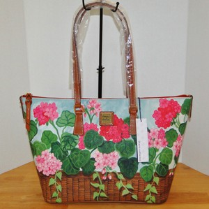 Dooney & Bourke Geranium Flowers Cotton Pink Tote in Multi