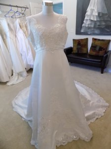 Alfred Angelo 1452 Wedding Dress