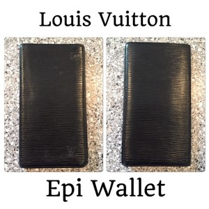 Louis Vuitton LV Epi Bifold Credit Card Checkbook