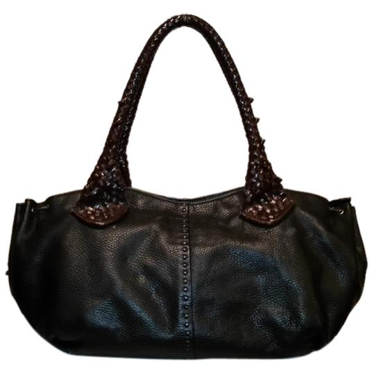 Preload https://img-static.tradesy.com/item/20621788/paolo-masi-made-in-italy-black-and-brown-pebbeld-leather-satchel-0-1-540-540.jpg