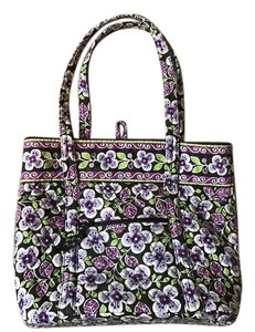 Vera Bradley Tote in Retired Pattern Fall 2011