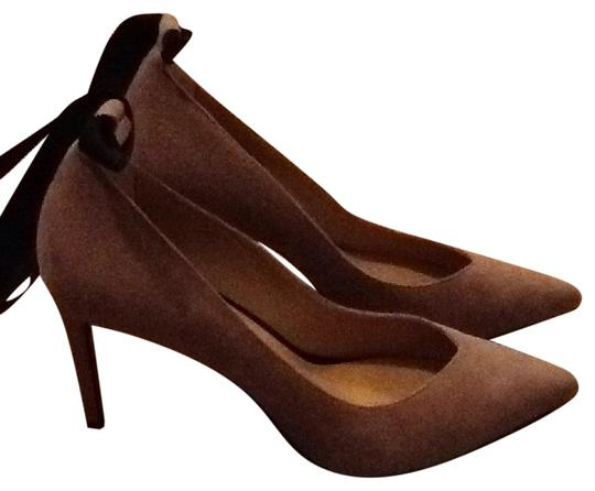 Preload https://item3.tradesy.com/images/banana-republic-nude-ankle-tie-up-pumps-size-us-85-regular-m-b-20622322-0-1.jpg?width=440&height=440