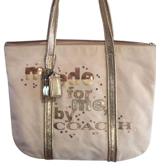 Preload https://item5.tradesy.com/images/coach-14979-poppy-off-whitegold-fabric-tote-20622464-0-1.jpg?width=440&height=440