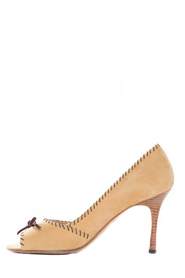 Preload https://img-static.tradesy.com/item/20622540/manolo-blahnik-tan-suede-peep-toe-heels-pumps-size-us-7-regular-m-b-0-0-540-540.jpg