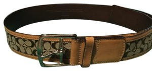 Coach COACH LEATHER AND CANVAS BELT IN EXCELLENT CONDITION.