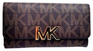 Michael Kors Michael Kors Florence Brown Signature PVC Large Billfold Clutch Wallet