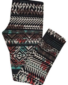 Full Tilt Bohemian/Tribal Pattern Leggings