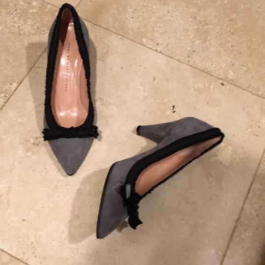 Marc by Marc Jacobs Gray and Black Pumps Image 10