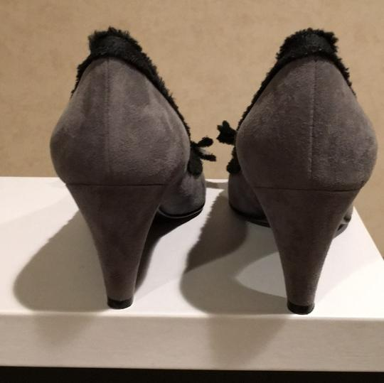 Marc by Marc Jacobs Gray and Black Pumps Image 3