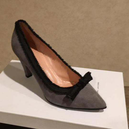 Marc by Marc Jacobs Gray and Black Pumps Image 7