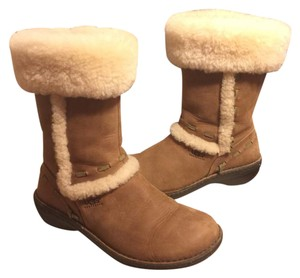UGG Australia Chestnut-Tan/Off White Boots