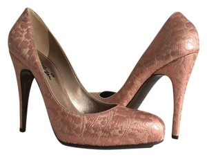 Lanvin metallic pink Pumps