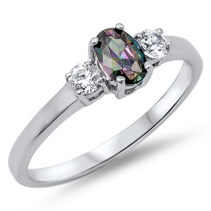 9.2.5 Beautiful rainbow and white topaz cocktail ring size 6