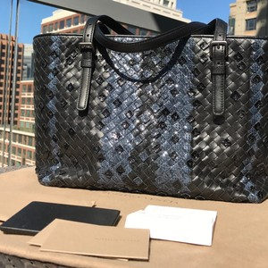Bottega Veneta Handmade Ayers Nappa Seasonal Special Tote in Black and Blue