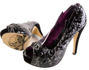 Iron Fist Studded Punk Goth Skulls Black/Silver Pumps